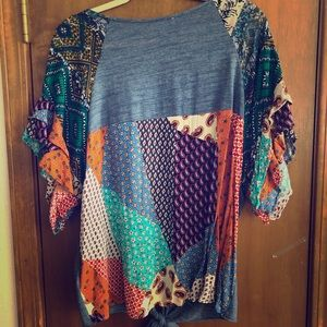 Graphic sleeve blouse